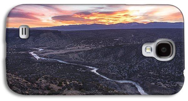 Landscapes Photographs Galaxy S4 Cases - Rio Grande River Sunrise - White Rock New Mexico Galaxy S4 Case by Brian Harig