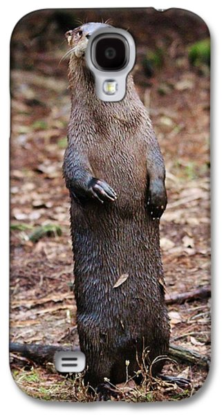River Otter Standing  Galaxy S4 Case by Paulette Thomas