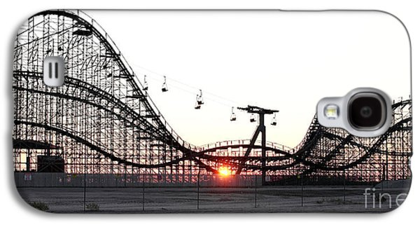 Rollercoaster Photographs Galaxy S4 Cases - Roller Coaster Galaxy S4 Case by John Rizzuto