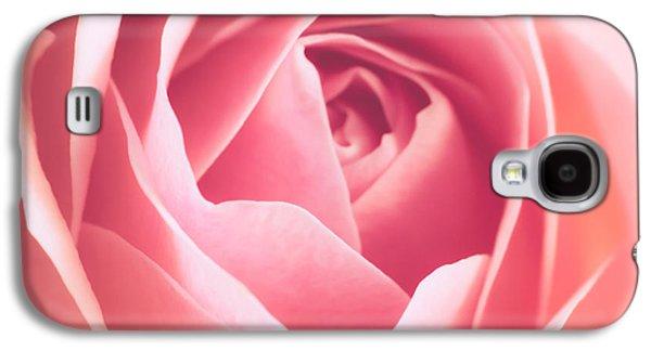 Rosaceae Galaxy S4 Cases - Rosa Galaxy S4 Case by Wim Lanclus