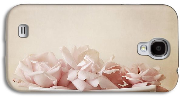 Life Photographs Galaxy S4 Cases - Roses Galaxy S4 Case by Priska Wettstein
