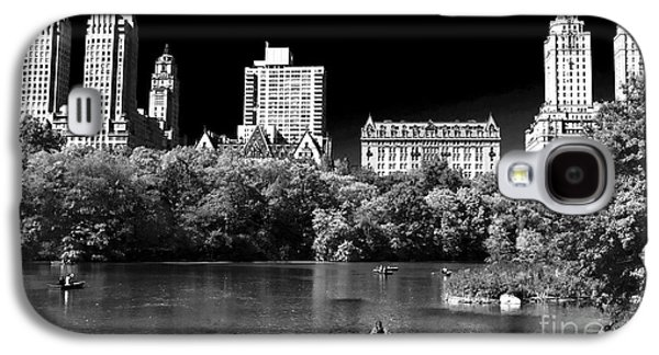 Pond In Park Galaxy S4 Cases - Rowing in Central Park Galaxy S4 Case by John Rizzuto