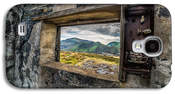 North Wales Digital Art Galaxy S4 Cases - Ruin with a View  Galaxy S4 Case by Adrian Evans