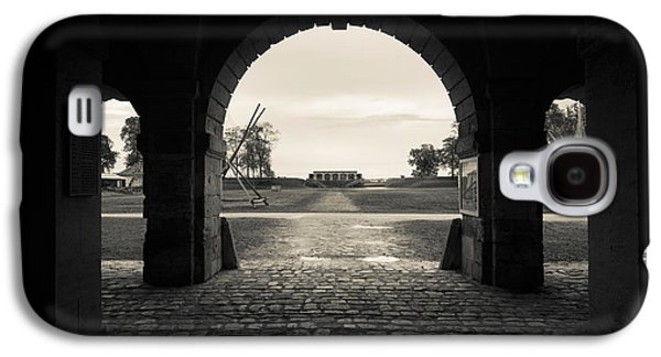 Haut Galaxy S4 Cases - Ruins Of River Fort Designed By Vauban Galaxy S4 Case by Panoramic Images