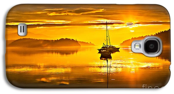 Haybale Photographs Galaxy S4 Cases - San Juan Sunrise Galaxy S4 Case by Robert Bales