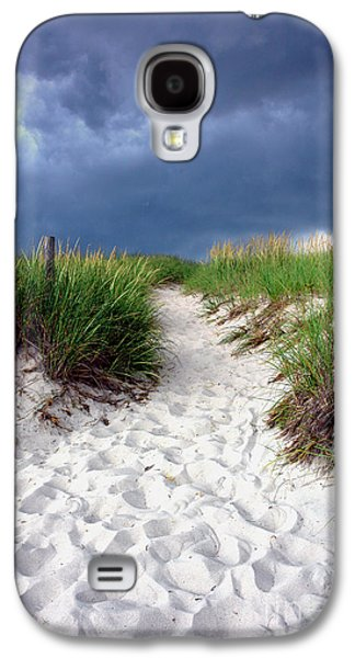 Sand Dune Under Storm Galaxy S4 Case by Olivier Le Queinec