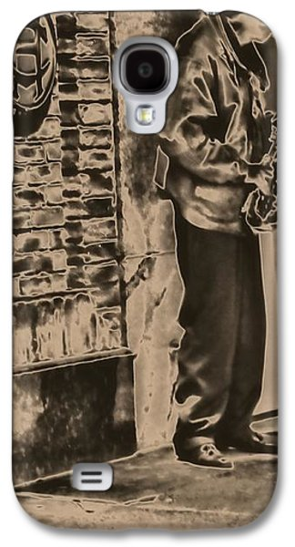 Saxophone Photographs Galaxy S4 Cases - Saxophone On The Street Galaxy S4 Case by Dan Sproul