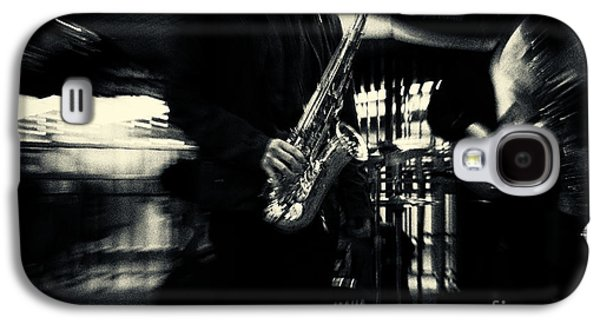 Landmarks Photographs Galaxy S4 Cases - Saxophone Player in New York City Galaxy S4 Case by Sabine Jacobs