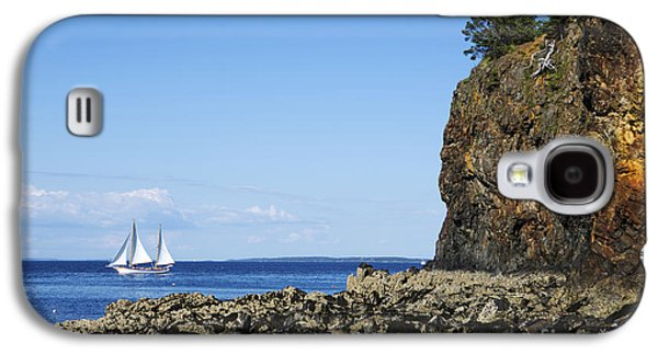 Ocean Sailing Galaxy S4 Cases - Schooner sailing in the bay Galaxy S4 Case by Diane Diederich