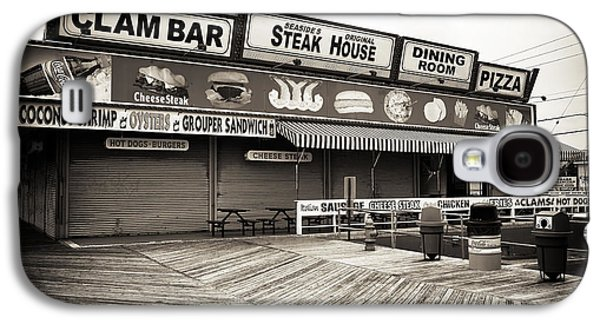 Seaside Heights Photographs Galaxy S4 Cases - Seaside Clam Bar Galaxy S4 Case by John Rizzuto