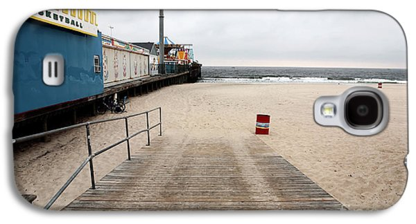 Seaside Heights Photographs Galaxy S4 Cases - Seaside Heights Beach Galaxy S4 Case by John Rizzuto