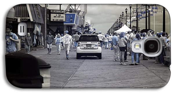 Seaside Heights Photographs Galaxy S4 Cases - Seaside Heights Boardwalk Crowds infrared Galaxy S4 Case by John Rizzuto