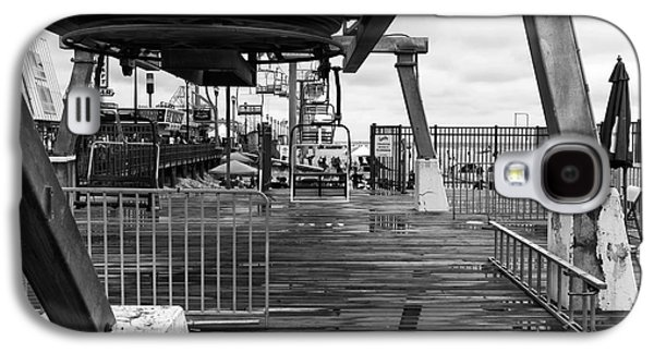Seaside Heights Photographs Galaxy S4 Cases - Seaside Heights Chair Lift mono Galaxy S4 Case by John Rizzuto