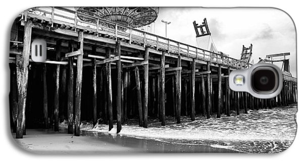 Seaside Heights Photographs Galaxy S4 Cases - Seaside Pier Galaxy S4 Case by John Rizzuto