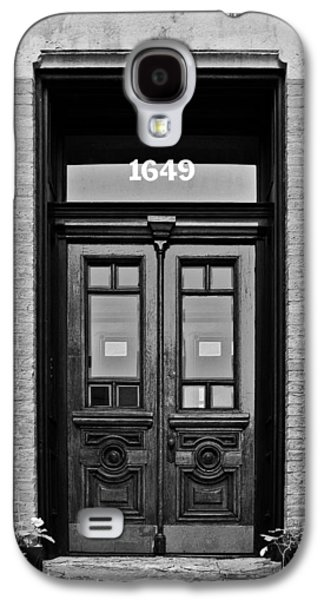 Entrance Door Galaxy S4 Cases - Sedgwick Street Old Town Chicago Galaxy S4 Case by Christine Till