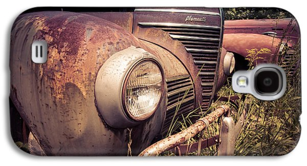 Rusted Cars Galaxy S4 Cases - Seen Better Days Galaxy S4 Case by Edward Fielding