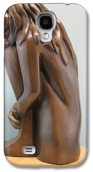 Girl Sculptures Galaxy S4 Cases - Self comfort Galaxy S4 Case by Nili Tochner