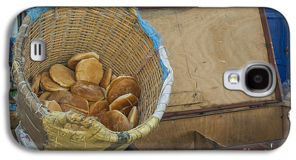 Rabat Photographs Galaxy S4 Cases - Selling Pita Bread Galaxy S4 Case by Patricia Hofmeester