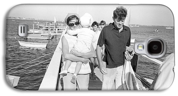 First-lady Galaxy S4 Cases - Senator John F. Kennedy and Jacqueline Kennedy at Hyannis Port Marina Galaxy S4 Case by The Phillip Harrington Collection