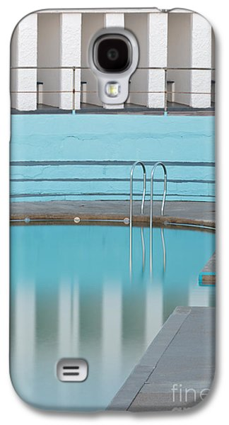 Tidal Photographs Galaxy S4 Cases - Shallow End Galaxy S4 Case by Richard Thomas