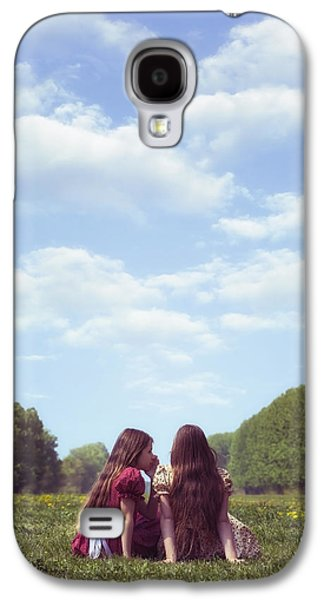 Secret Whispers Photographs Galaxy S4 Cases - Sharing A Secret Galaxy S4 Case by Joana Kruse