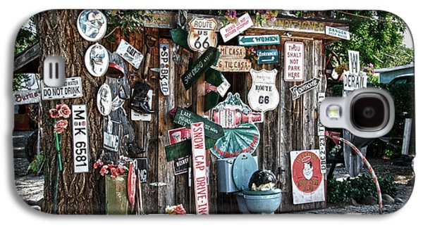Shed Photographs Galaxy S4 Cases - Shed toilet bowls and plaques in Seligman Galaxy S4 Case by RicardMN Photography