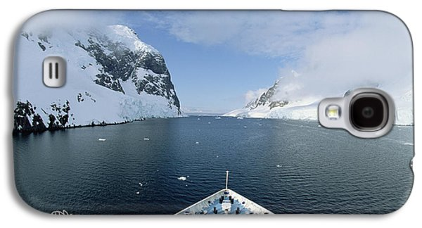 Landscapes Photographs Galaxy S4 Cases - Ship With Tourists In Lemaire Channel Galaxy S4 Case by Konrad Wothe