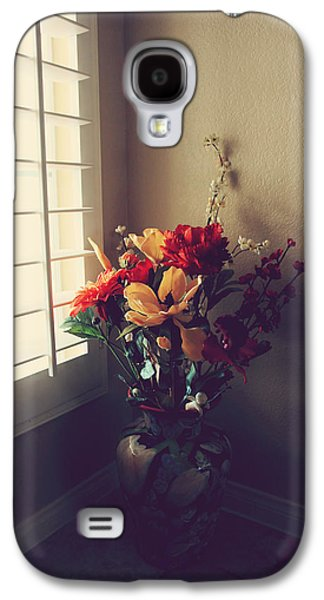 Interior Still Life Photographs Galaxy S4 Cases - Shutters Galaxy S4 Case by Laurie Search