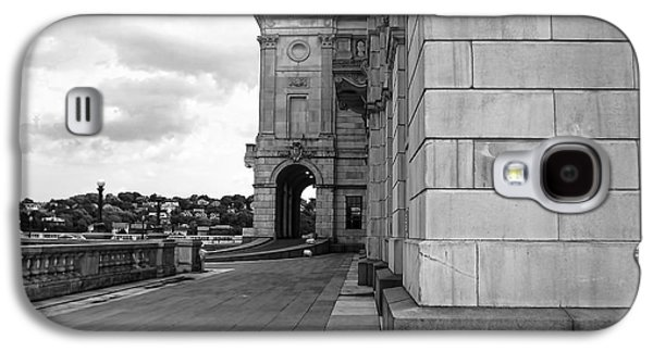 Historical Buildings Galaxy S4 Cases - Side Entrance BW Galaxy S4 Case by Lourry Legarde