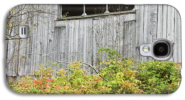 Old Maine Barns Galaxy S4 Cases - Side Of Barn In Fall Galaxy S4 Case by Keith Webber Jr