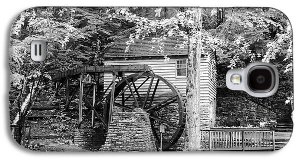 Tennessee Historic Site Galaxy S4 Cases - Side View of Rice Grist Mill Norris Dam State Park Tennessee - BW Galaxy S4 Case by Cynthia Woods