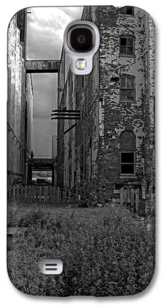 Old Feed Mills Galaxy S4 Cases - Silos Galaxy S4 Case by Jim Markiewicz