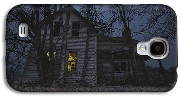 Abandoned House Photographs Galaxy S4 Cases - Sinister Galaxy S4 Case by Aaron J Groen
