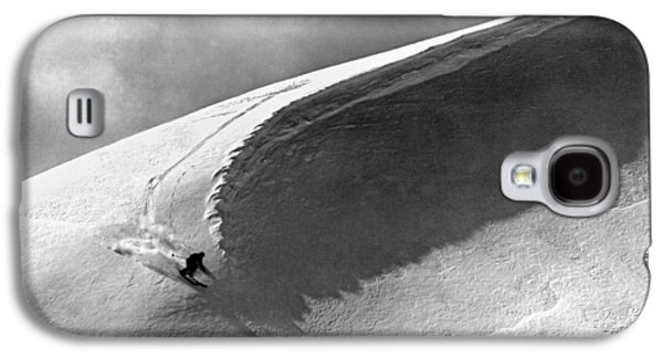 Skiing Under A Curl Galaxy S4 Case by Underwood Archives