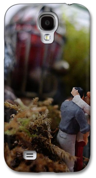 Secret Whispers Photographs Galaxy S4 Cases - Small World - Alone Together Galaxy S4 Case by Richard Reeve