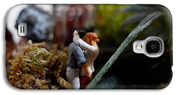 Secret Whispers Photographs Galaxy S4 Cases - Small World - Secret Embrace Galaxy S4 Case by Richard Reeve