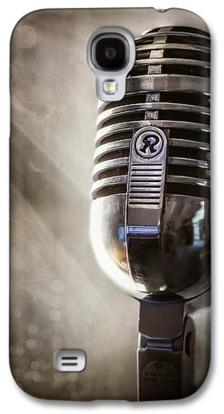 Smoky Vintage Microphone Galaxy S4 Case by Scott Norris