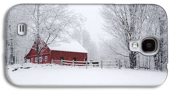 Red Barn In Winter Photographs Galaxy S4 Cases - Snow Country Galaxy S4 Case by Robert Clifford