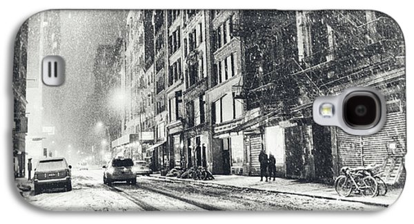 Snow - New York City - Winter Night Galaxy S4 Case by Vivienne Gucwa