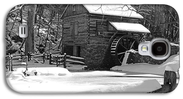 Winter Road Scenes Galaxy S4 Cases - Snow on the Fence in Black and White Galaxy S4 Case by Paul Ward
