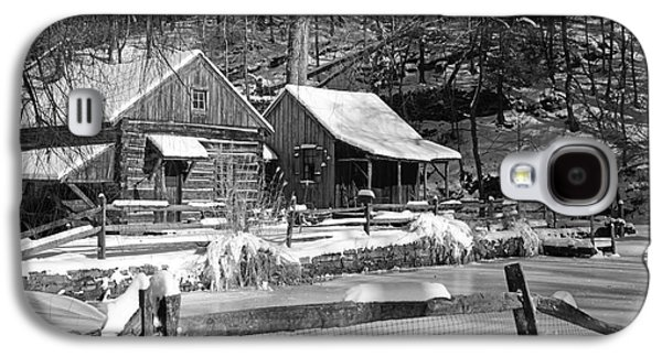 Winter Road Scenes Galaxy S4 Cases - Snowy Cabins in Black and White Galaxy S4 Case by Paul Ward