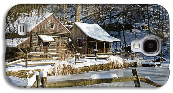 Winter Road Scenes Galaxy S4 Cases - Snowy Cabins Galaxy S4 Case by Paul Ward
