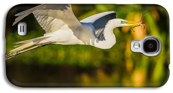 Colorful Photographs Galaxy S4 Cases - Snowy Egret Flying with a Branch Galaxy S4 Case by Andres Leon