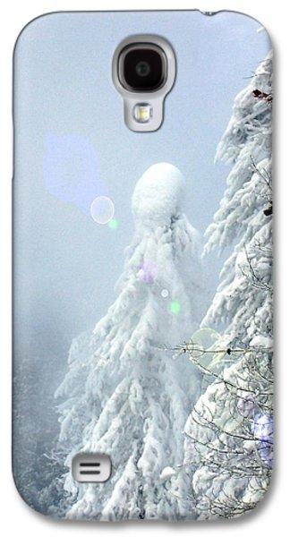 Yellowstone Digital Galaxy S4 Cases - Snowy trees Galaxy S4 Case by Kae Cheatham