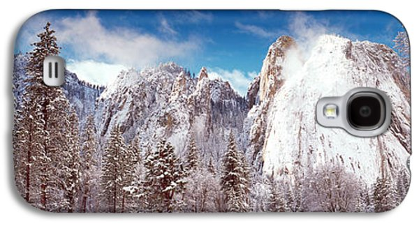 Cathedral Rock Galaxy S4 Cases - Snowy Trees With Rocks In Winter Galaxy S4 Case by Panoramic Images