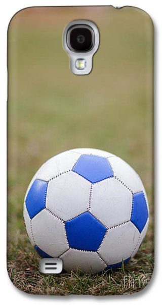 Soccer Photographs Galaxy S4 Cases - Soccer Ball Galaxy S4 Case by Edward Fielding