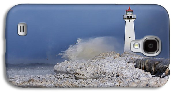 Wind Photographs Galaxy S4 Cases - Sodus Bay Lighthouse Galaxy S4 Case by Everet Regal