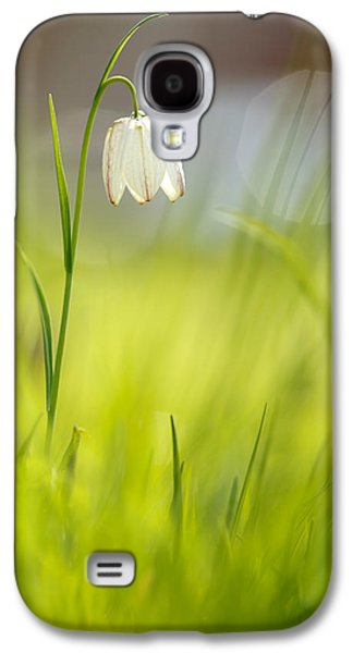 Meleagris Galaxy S4 Cases - Soft Awakenings - White Chess Flower Galaxy S4 Case by Roeselien Raimond