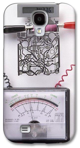 Solar Cell Inside A Calculator Galaxy S4 Case by Dorling Kindersley/uig