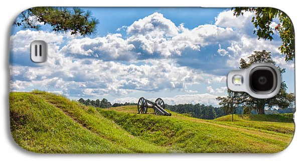 American Independance Photographs Galaxy S4 Cases - Solitary Cannon at Yorktown Galaxy S4 Case by John Bailey
